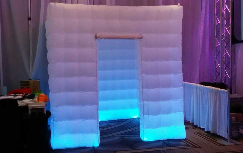 Music Mania Entertainment  (661) 618-6455 � San Fernando Valley Photo Booth Rental - Photo Booth Rentals San Fernando Valley