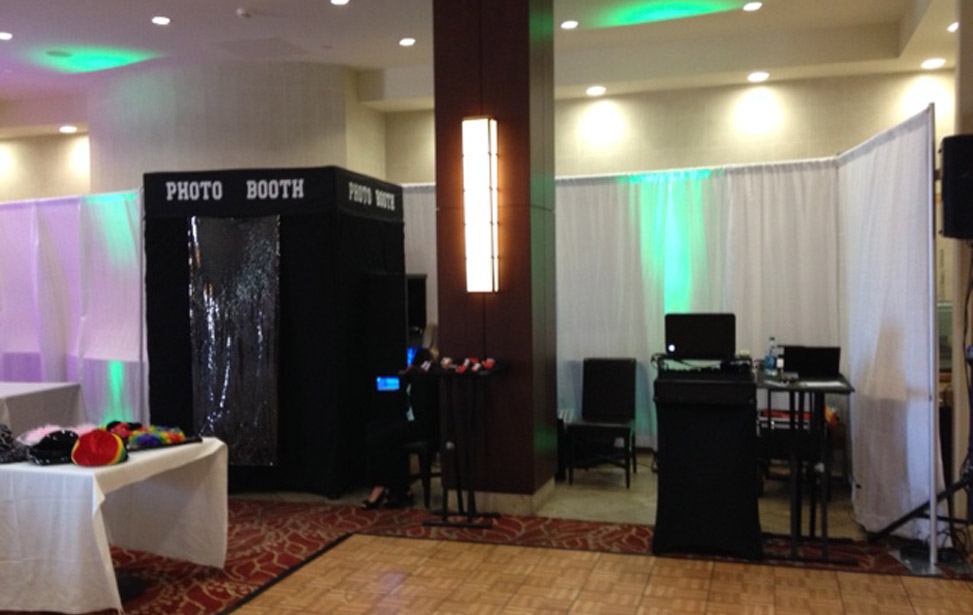 Music Mania Entertainment  (661) 618-6455 � Newhall Photo Booth Rental - Photo Booth Rentals Newhall